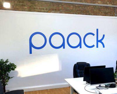 paack-wallsticker.jpg